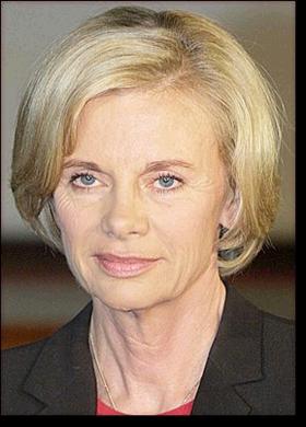 http://www.age-des-celebrites.com/photos/G/elisabeth-guigou.png